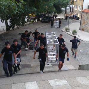 Качване и изграждане на сцена в Античен театър Пловдив.